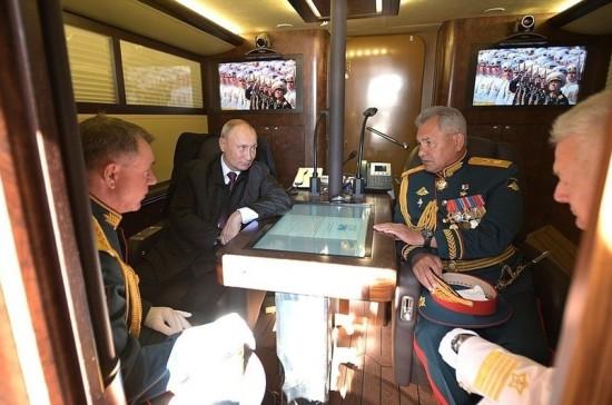 Путин провёл встречу с главой Минобороны и главкомом ВМФ