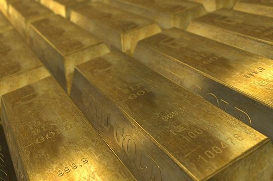 Цена золота впервые с 2011 года превысила $1910 за тройскую унцию