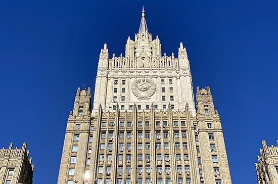 МИД: Россия в ближайшие недели расширит список стран для возобновления авиасообщения