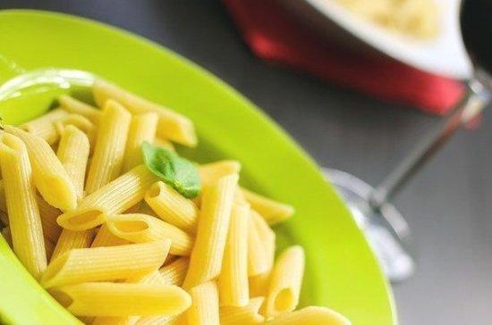 Гастроэнтеролог предупредил об опасности употребления горячей еды