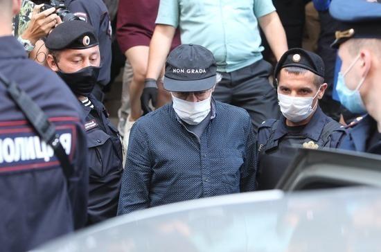 Суд продлил домашний арест Ефремова на шесть месяцев