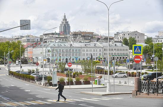 В Москве допустили, что ограничительные меры продлятся еще несколько месяцев