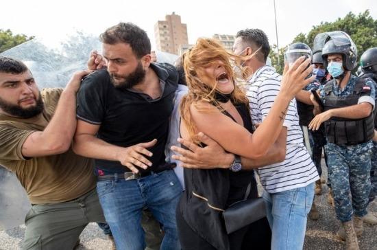 Демонстранты в Бейруте заняли здание МИД