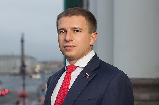 Депутат Романов поздравил петербургских строителей с профессиональным праздником