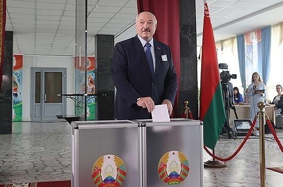 Александр Лукашенко проголосовал на выборах президента Белоруссии