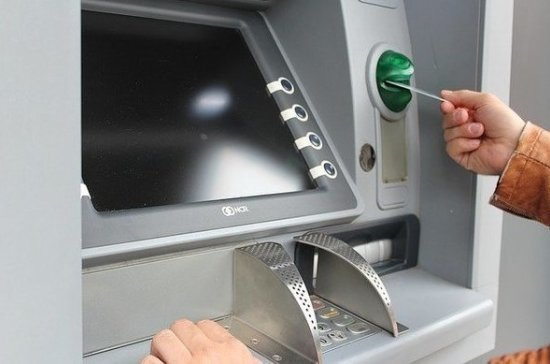 СМИ: банки могут начать выдавать кредиты через банкоматы по биометрии