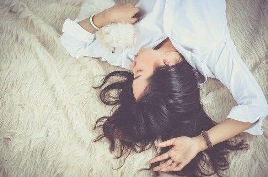 Психоаналитик объяснил, когда лень превращается в опасную болезнь