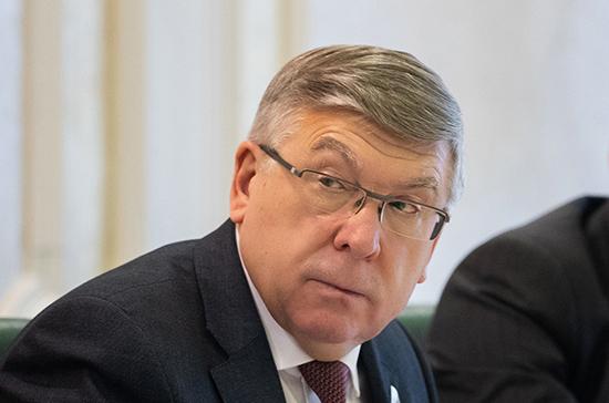 Рязанский оценил идею выходного дня для семей первоклассников