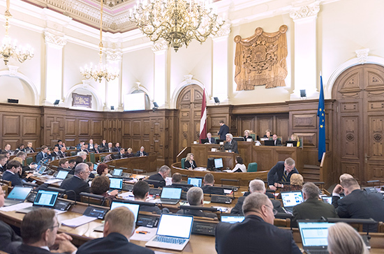Сейм Латвии потребовал от властей Белоруссии провести повторные президентские выборы