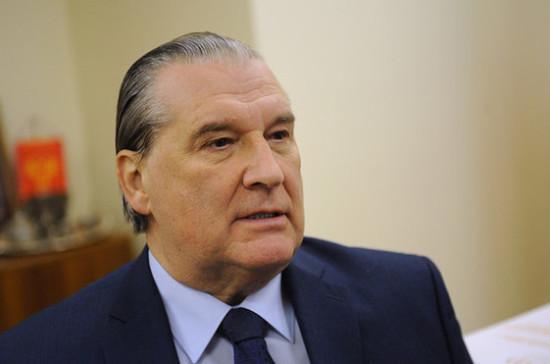 Сенатор Александров выписан из больницы после лечения от коронавируса