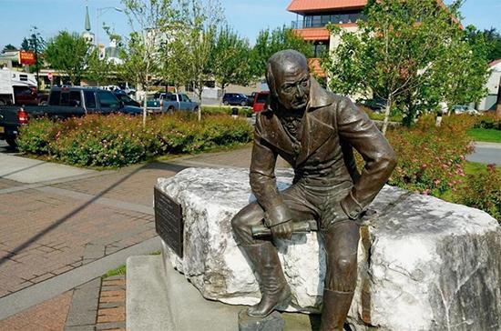 Памятник первому русскому губернатору Аляски перенесут из центра Ситки в музей