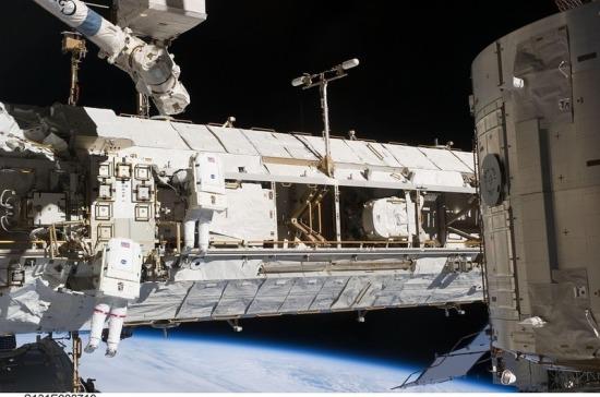 Космонавты изолируются на МКС из-за утечки воздуха