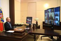 На совещании Путина с Совбезом отметили неприемлемость внешнего вмешательства в дела Белоруссии