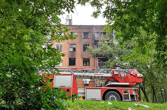 Пожар в жилой пятиэтажке на западе Москвы потушен