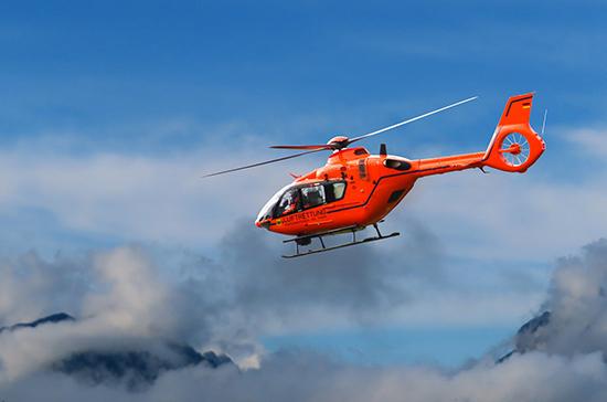 Два человека пострадали при аварийной посадке вертолёта в Сочи