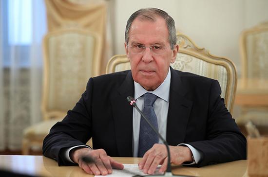 Россия поддерживает стремление Азербайджана получить статус наблюдателя в ШОС, заявил Лавров