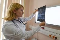 Земские медики и учителя на Дальнем Востоке будут получать повышенные выплаты