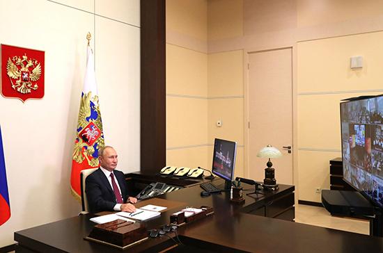 Президент считает полезным совмещение работы и учёбы