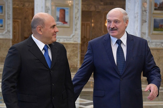 Лукашенко поблагодарил Россию за поддержку на фоне агрессии извне