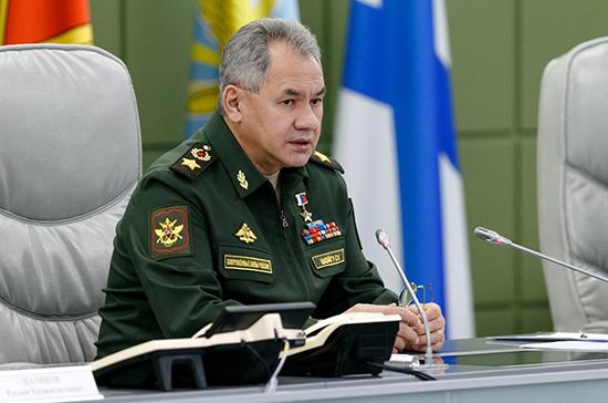 НАТО регулярно имитирует нанесение авиаударов по России, заявил Шойгу