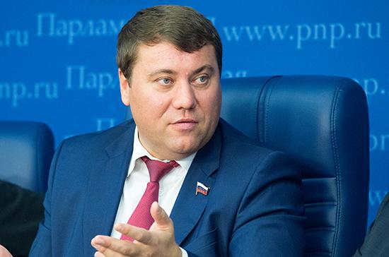 Сенатор Абрамов оценил предложение Минтруда сделать 31 декабря выходным днём в 2021 году