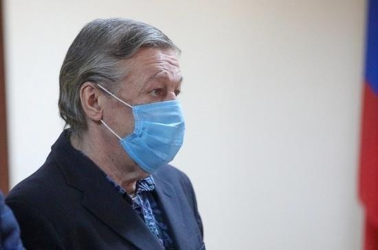 Суд приговорил Ефремова к восьми годам колонии общего режима