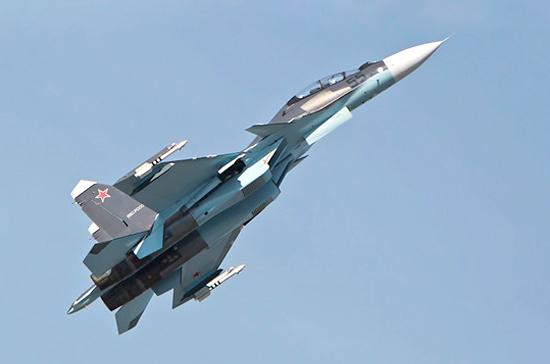 Истребитель Су-27 перехватил американский самолет над Чёрным морем