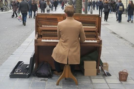 В Петербурге уличным музыкантам указали место