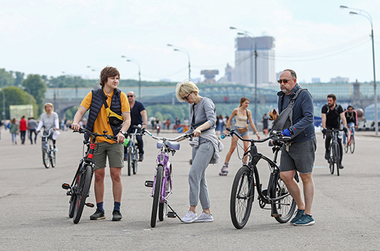 Минтранс обяжет велосипедистов использовать световозвращающие элементы при езде