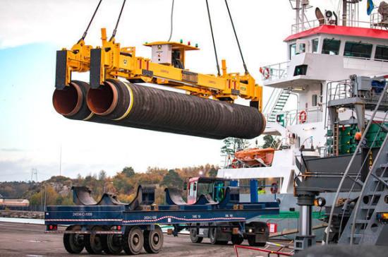 Судно для достройки «Северного потока — 2» направилось в Германию