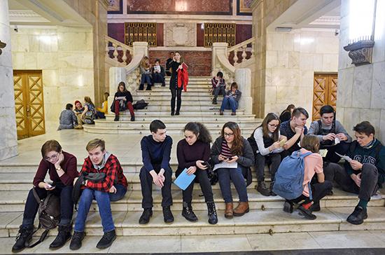 В Минобрнауки не поддерживают идею моратория на увеличение стоимости образования в вузах