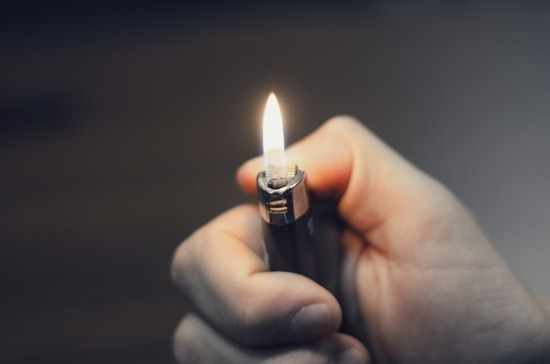 Ростовские депутаты запретили продавать зажигалки несовершеннолетним