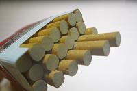 Минфин предложил повысить акцизы на сигареты на 20%, пишут СМИ