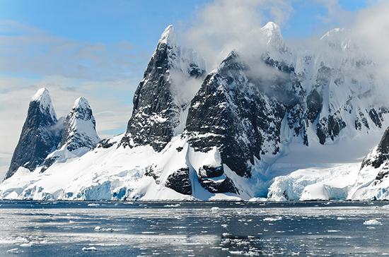 Правила захода круизных судов в порты Арктики предлагают смягчить