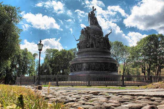 Памятник «Тысячелетие России» открыли 158 лет назад