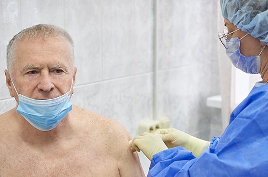 Владимир Жириновский сделал второй укол вакцины от COVID-19