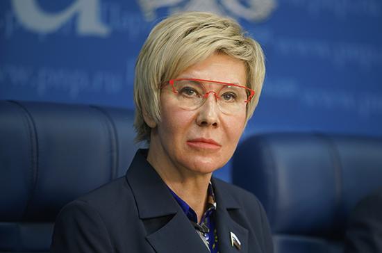 Павлова предложила в приоритетном порядке вакцинировать от коронавируса спортивных тренеров
