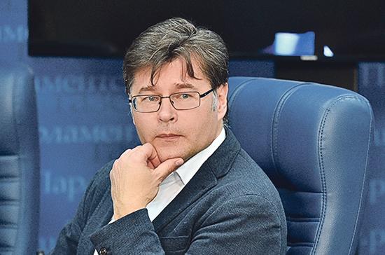 Политолог предложил предусмотреть файервол для иностранных соцсетей в преддверии выборов 2021 года