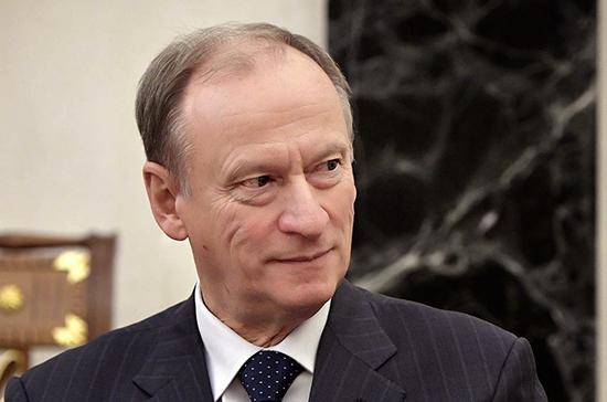 Патрушев назвал острой проблему незаконного рыболовства в водах РФ иностранными судами
