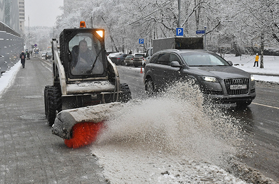 Алтайский край получит средства на закупку автогрейдеров и снегоуборочной техники