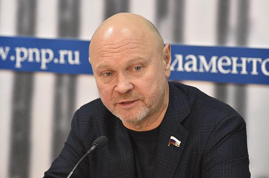 Россия может себе позволить повышение ставки налога для богатых до 30%, считает Катасонов