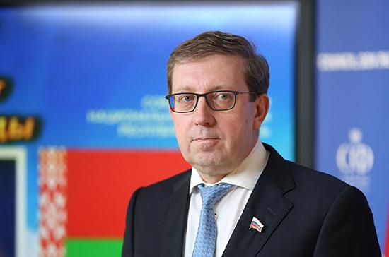 Майоров предложил заинтересовать молодёжь сохранением народных промыслов