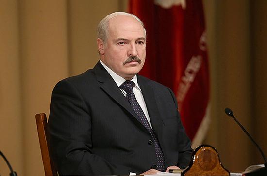 Лукашенко призвал уделять больше внимания информационной и экономической безопасности