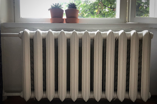 Отопление включили в 70% жилых домов Москвы