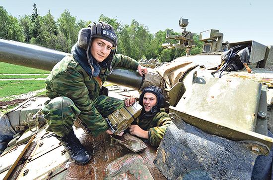 Сухопутные войска России отмечают свой профессиональный праздник