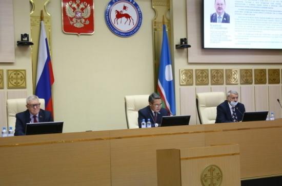 Парламентарии определили пути развития Севера и Арктики