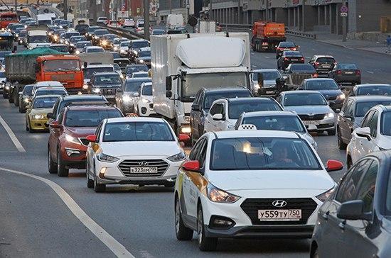 Правила дорожного движения предложили передать в ведение законодателей