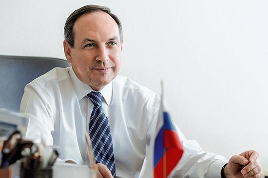 Вячеслав Никонов поздравил педагогов с Днём учителя