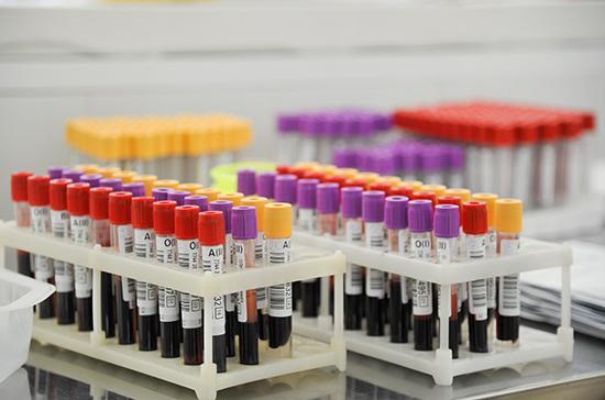 Максимальный коллективный иммунитет к COVID-19 выявлен у детей, сообщили в Роспотребнадзоре
