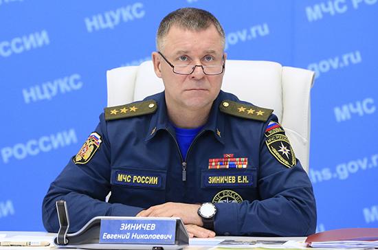Глава МЧС вылетает в Рязанскую область, где горят склады с боеприпасами
